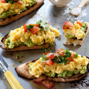 Scrambled Eggs with Mashed Avocado